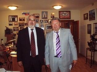Член-корр. РАМН А.В. Важенин и проф. О.Е. Бобров