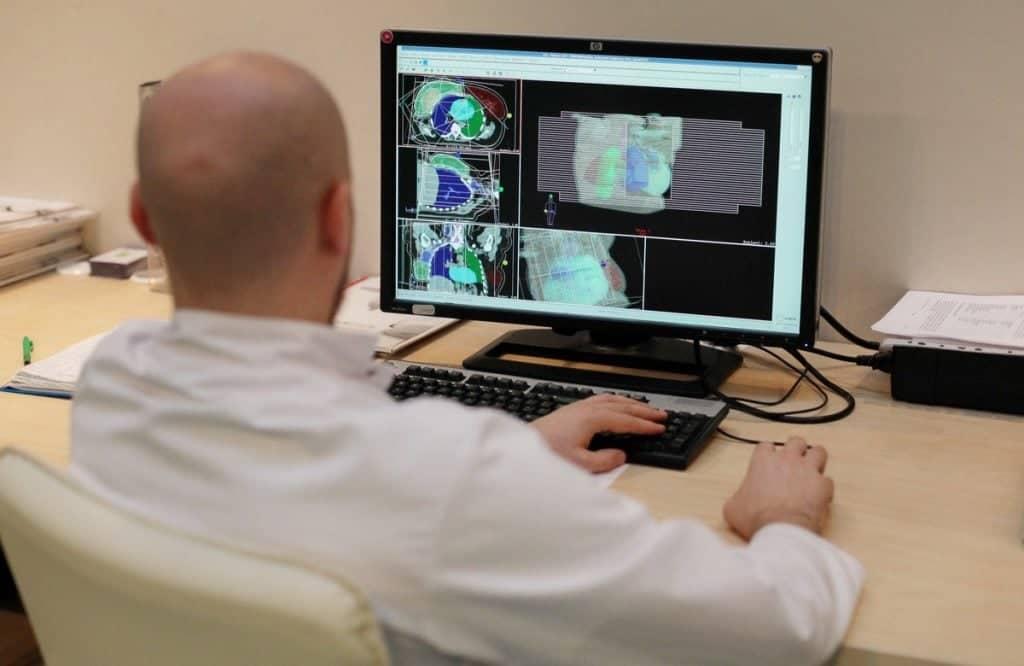 Планирование высокоточного лечения опухолей в Центре лучевой терапии
