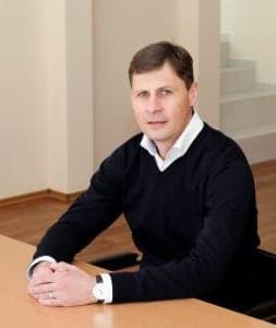 Шараевский Олег Анатольевич, зам. директора по медицинской части, врач-рентгенолог