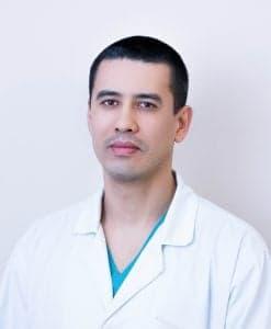 Новиков Руслан Романович, заведующий отделением нейрохирургии, врач-нейрохирург